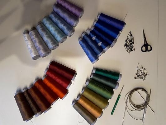 Gabriele Tippel - hier sieht man Farbkombinationen in verschiedenen Farbgruppen