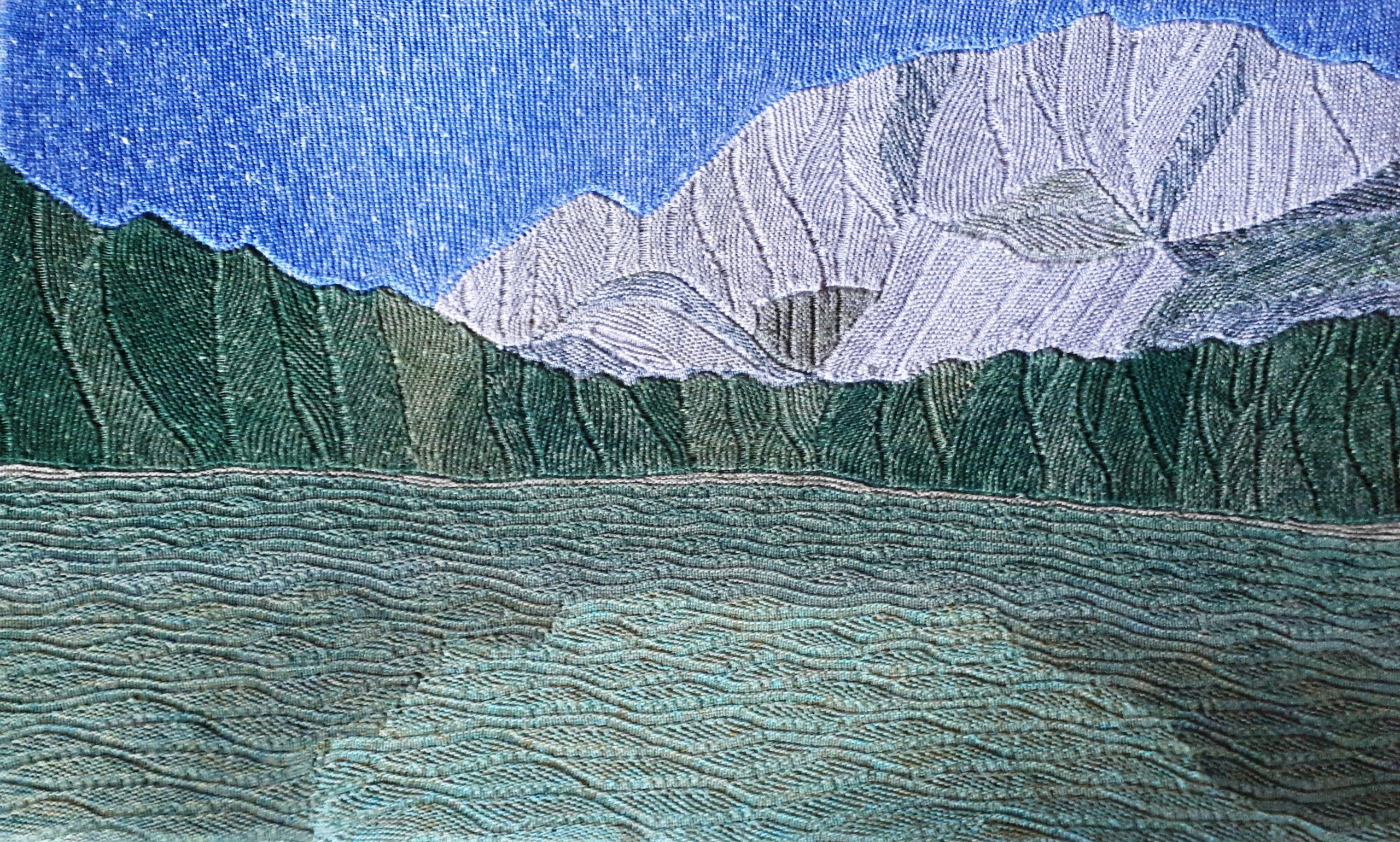 "Gabriele Tippel - Hier sieht man mein gestricktes Wandbild ""Bergsee"" in KlugeStrickArt"